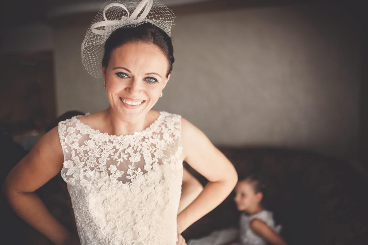 Wesele w Baranowskiej Chacie - Pani Młoda w trakcie przygotowań ślubnych