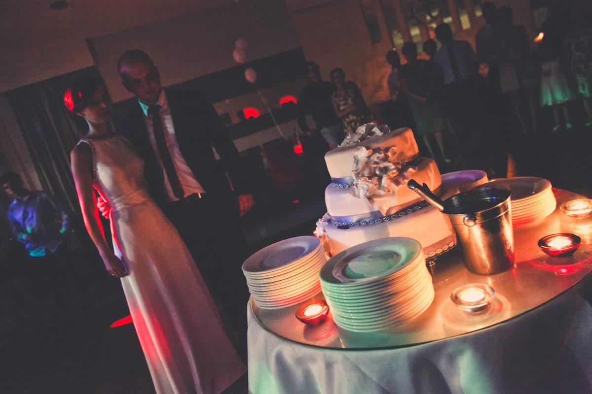 Fotograf Kępno wesele w Leśnym Dworze - tort weselny