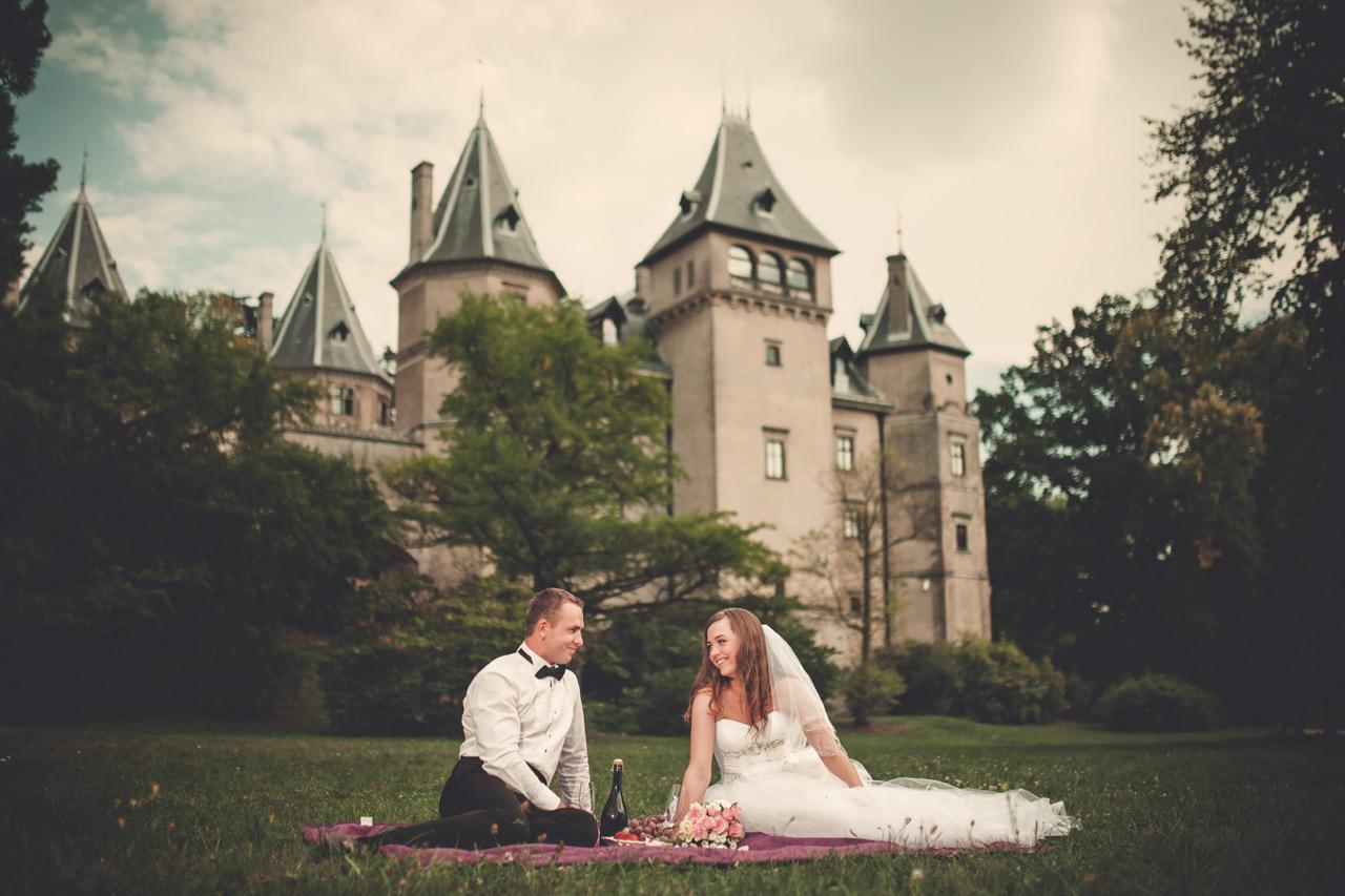 Fotografia ślubna Kępno - plener na zamku
