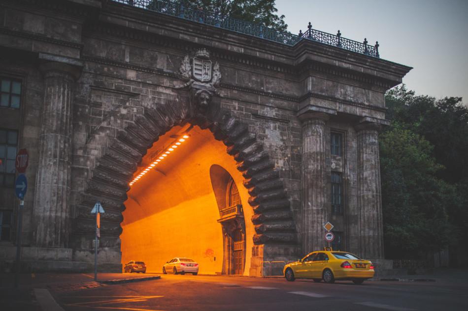 Wczasy w Chorwacji tunel w Budapeszcie