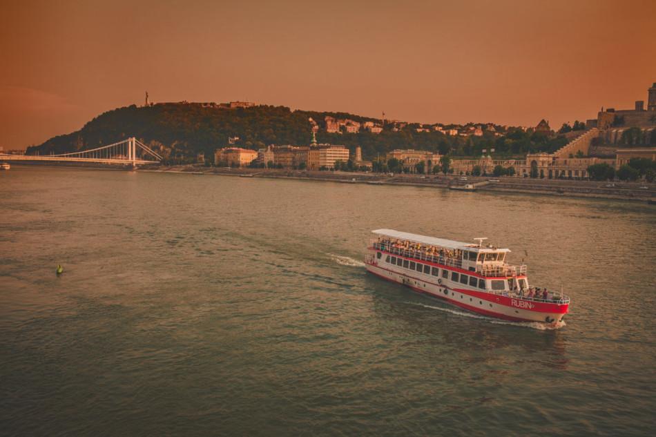 Wczasy w Chorwacji Budapeszt - rzeka Dunaj