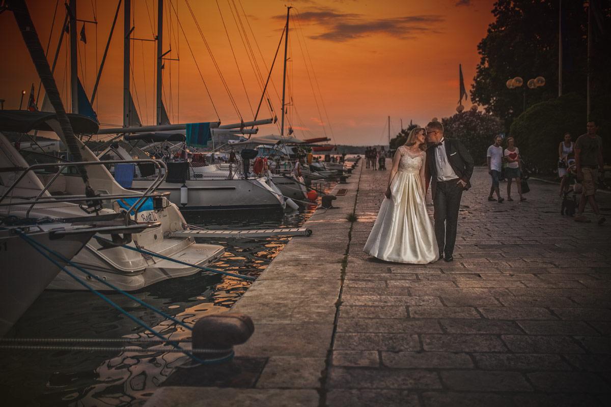 Plener ślubny w Chorwacji - zachód słońca w Szybeniku