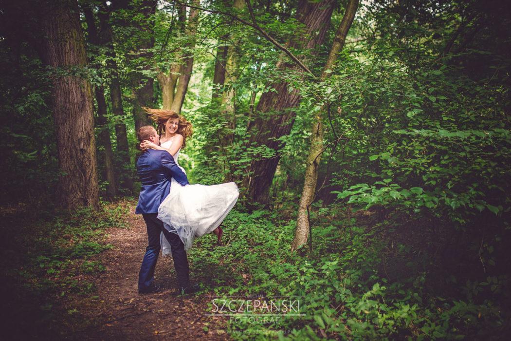 zdjęcia ślubne las