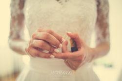 Detale ślubne dłonie Pani Młodej