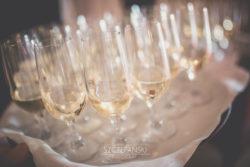 Detale ślubne kieliszki szampana