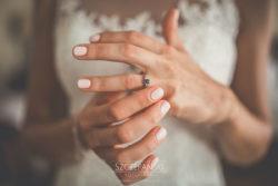 Detale ślubne pierścionek zaręczynowy