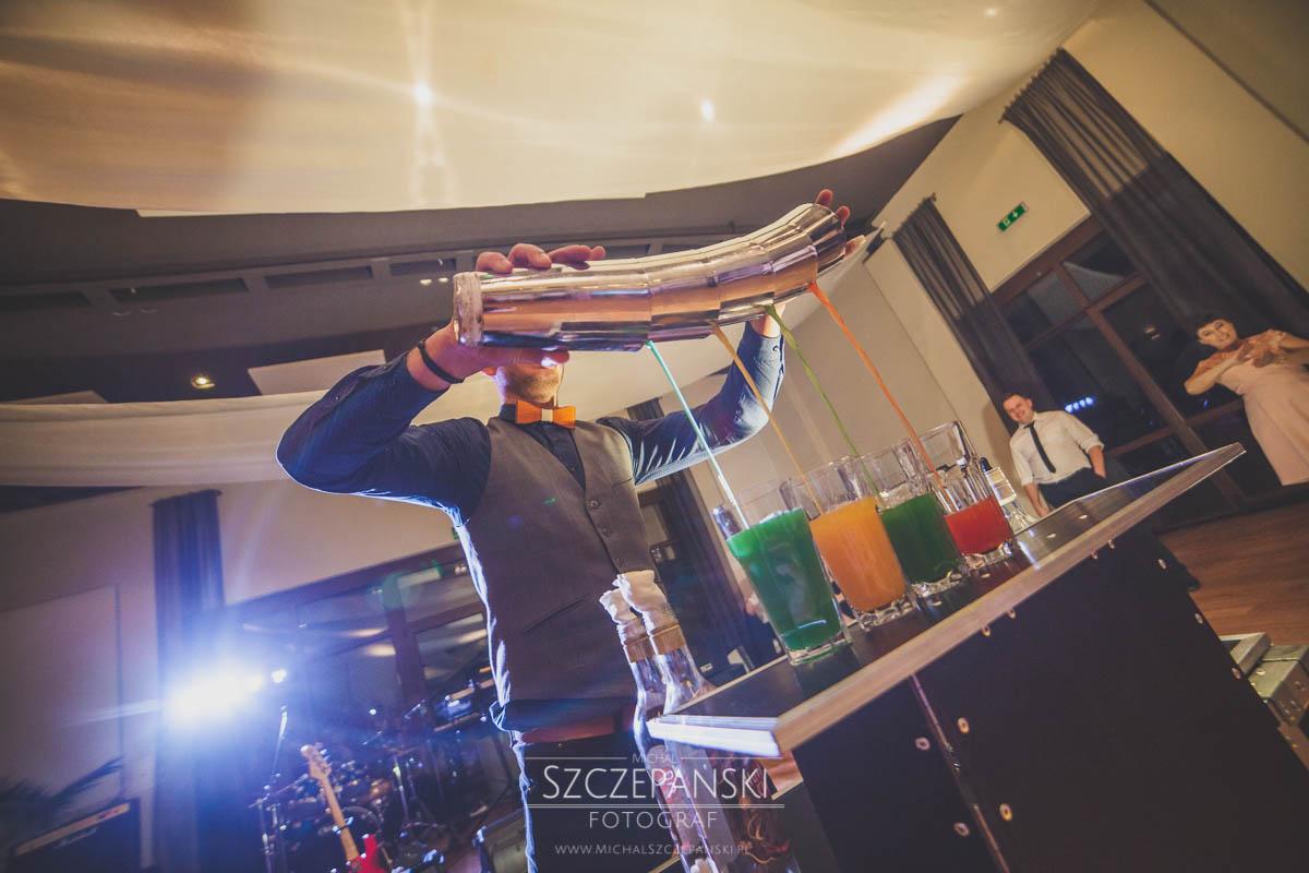 Weselny drink bar - pokaz barmański
