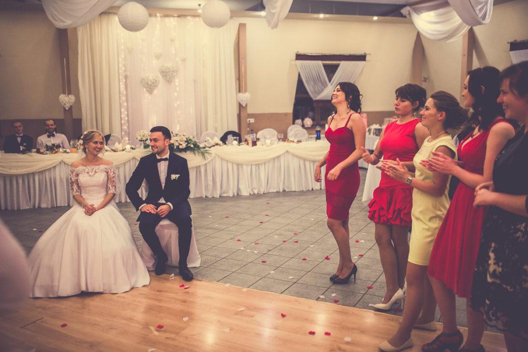Hotel Borowianka - zdjęcia z wesela - oczepiny