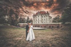 Plener ślubny we Wrocławiu. Zamek w Leśnicy.