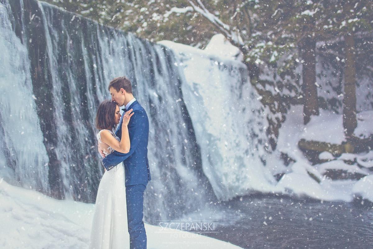 Plener ślubny w górach - dziki wodospad