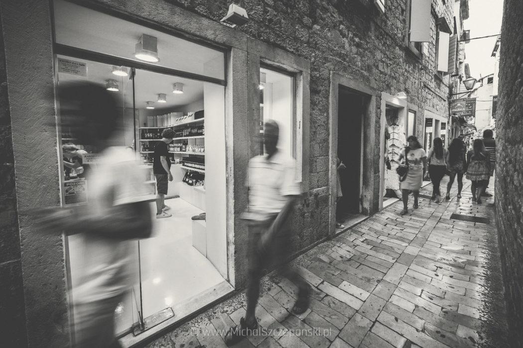 Trogir - starówka witryny sklepowe