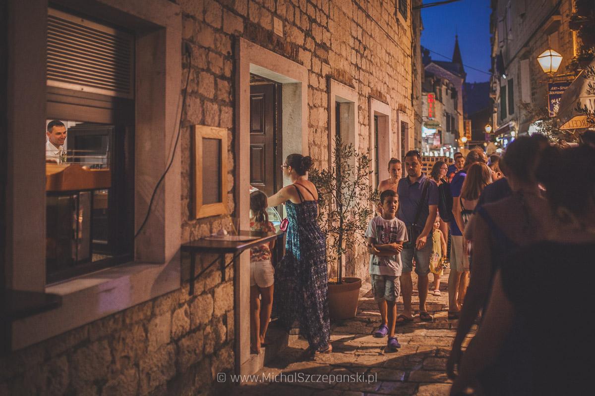 Wyjazd do Chorwacji Trogir starówka nocą