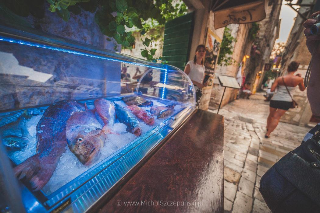 Wyjazd do Chorwacji Trogir - starówka ryby