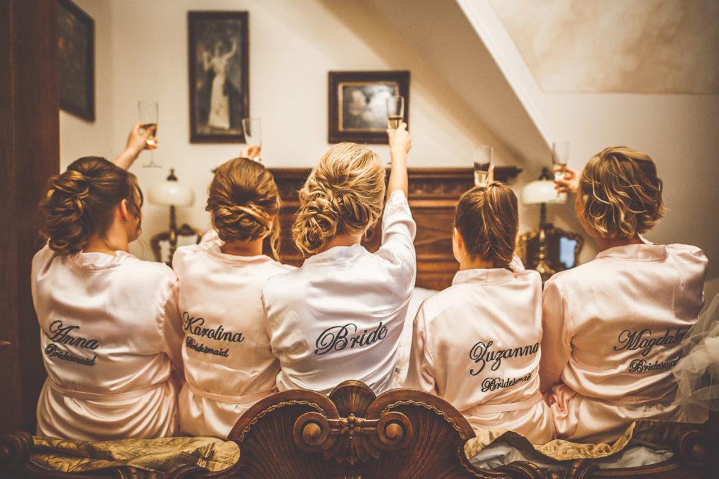 Pałac Tłokinia - toast z druhnami