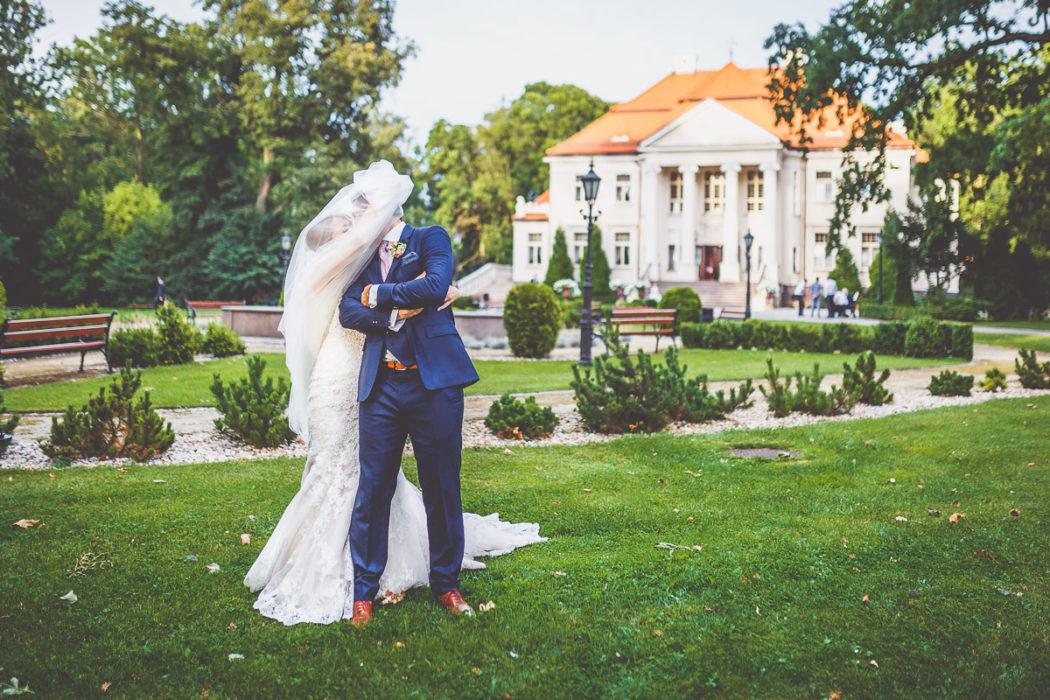 Pałac Tłokinia - plener w ogrodzie