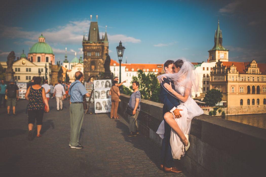 Zdjęcia ślubne realizowane w stolicy Czech