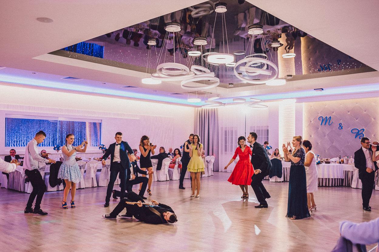 Hotel i Restauracja Biały Dwór Sala Platynowa zabawa weselna Fotografia ślubna Kalisz
