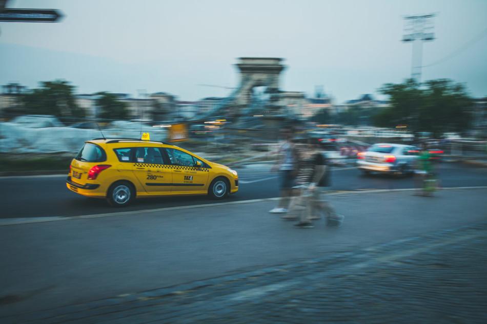 Wczasy w Chorwacji Budapeszt - żółta taksówka