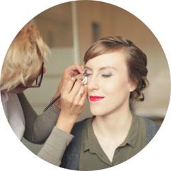 Makijaż ślubny - malowanie Panny Młodej