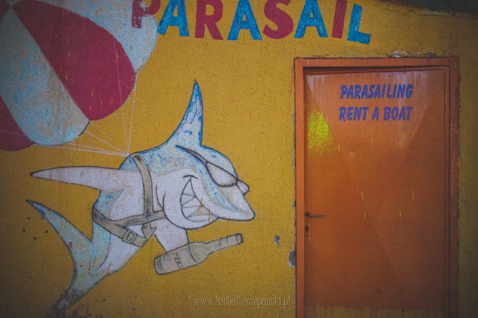 Wakacje w Chorwacji parasailing